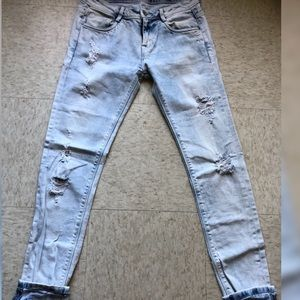 Zara Jeans destroyed/distressed